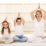 Детская йога с инструктором