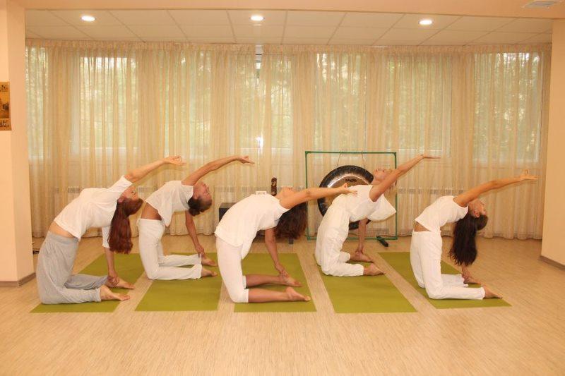 Кундалини-йога для начинающих в домашних условиях поза верблюда