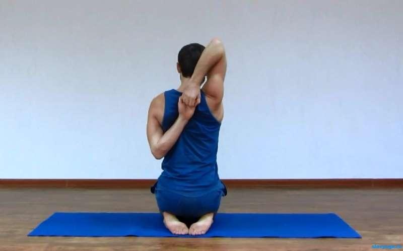 йога для плечевых суставов
