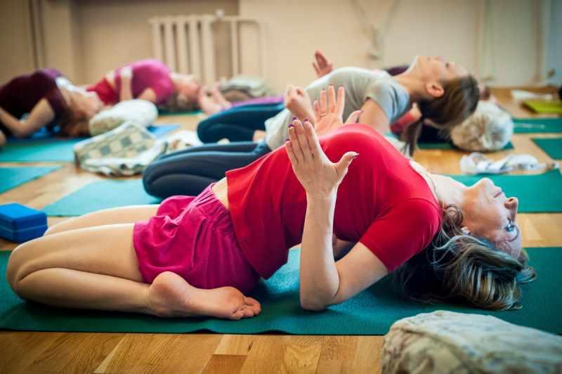 Айенгар-йога индивидуальный подход к каждому человеку