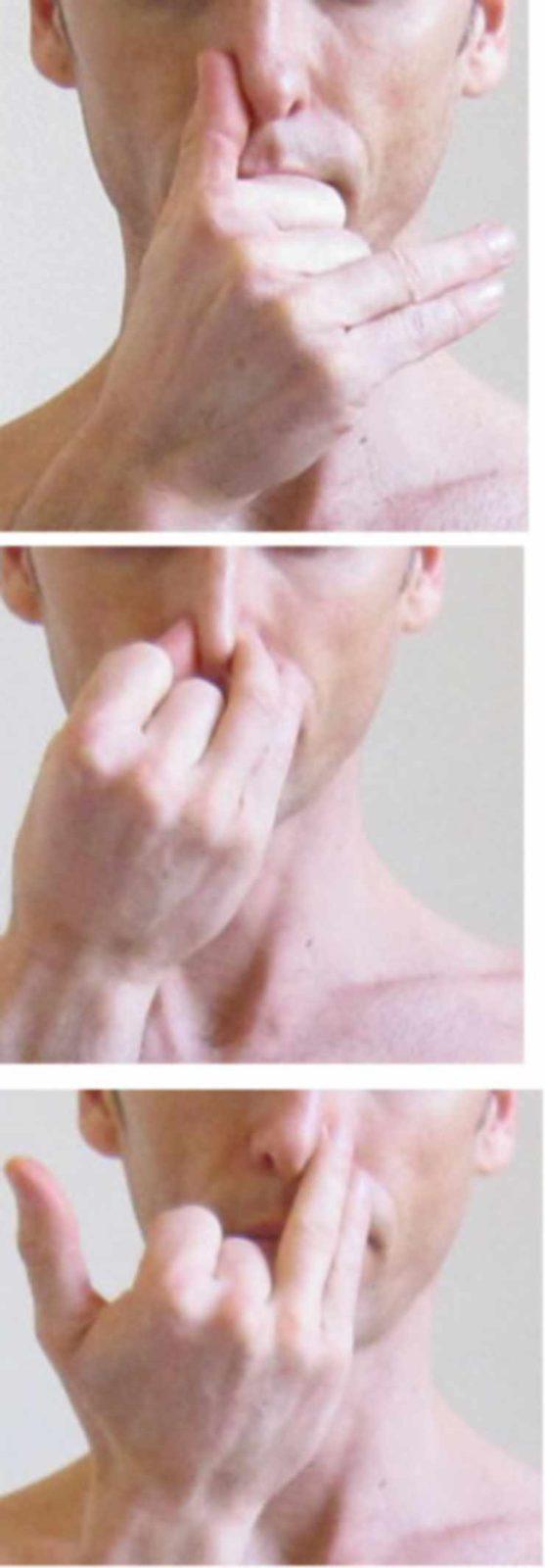 Расположение рук при выполнении практики дыхания