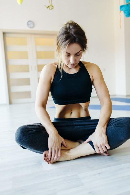 Агнисара дхаути крийя способствует снижению веса
