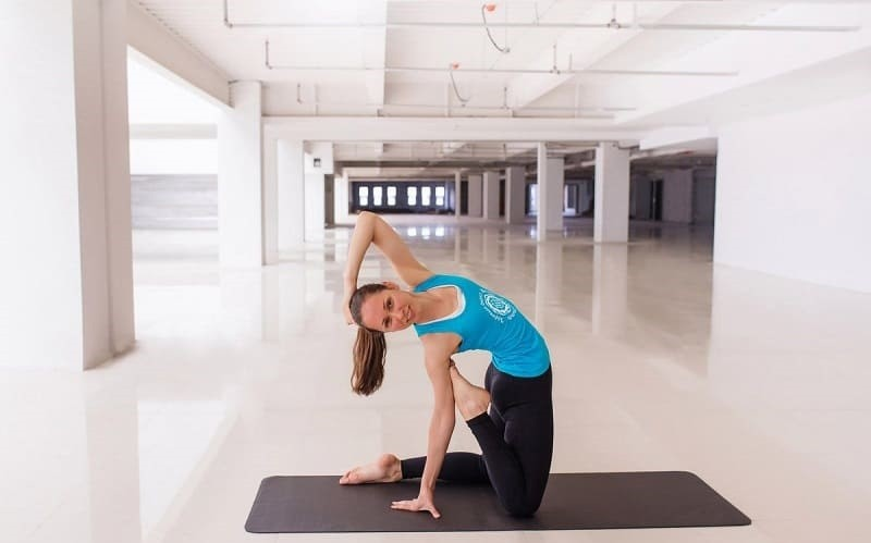 Упражнение из комплекса бхакти-йоги
