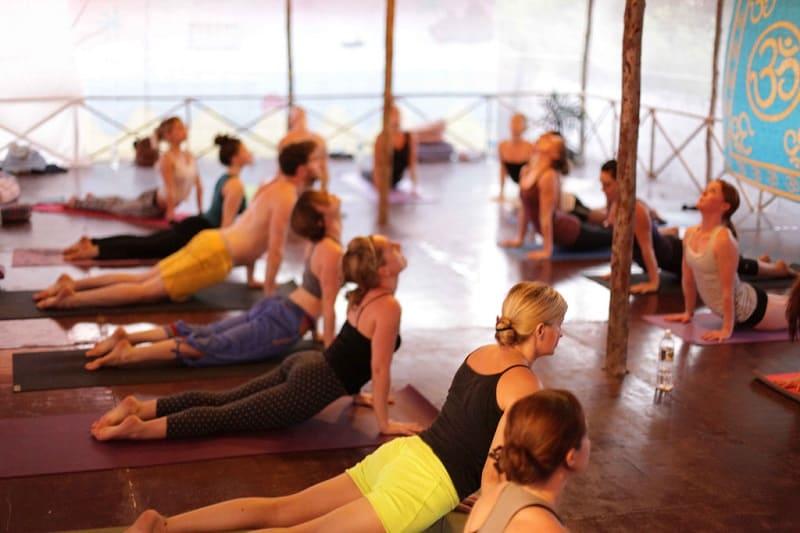 Бхакти йога: коллективное занятие