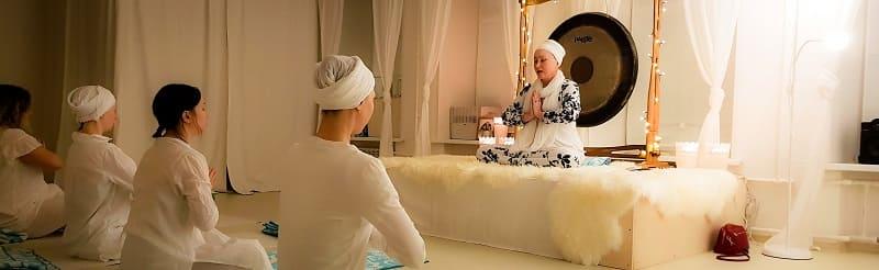 Занятие медитацией Киртан Крийя