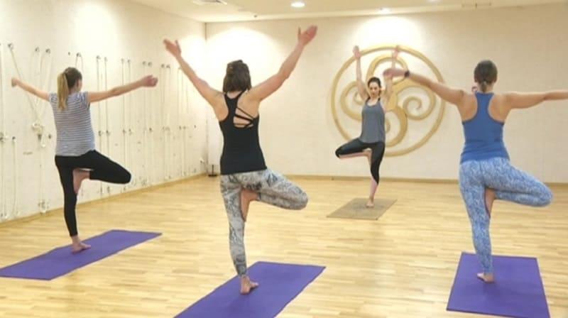 Выполнение комплекса упражнений на растяжку