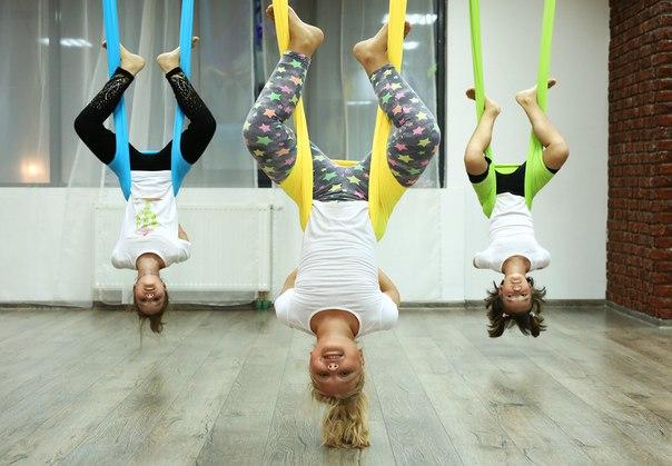 Детская йога в гамаках