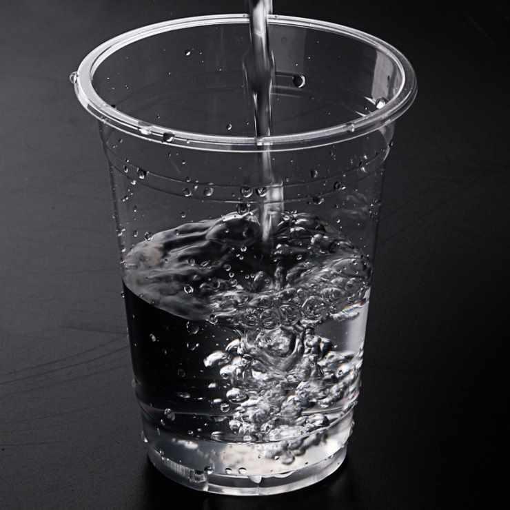 Стакан с водой для концентрации внимания