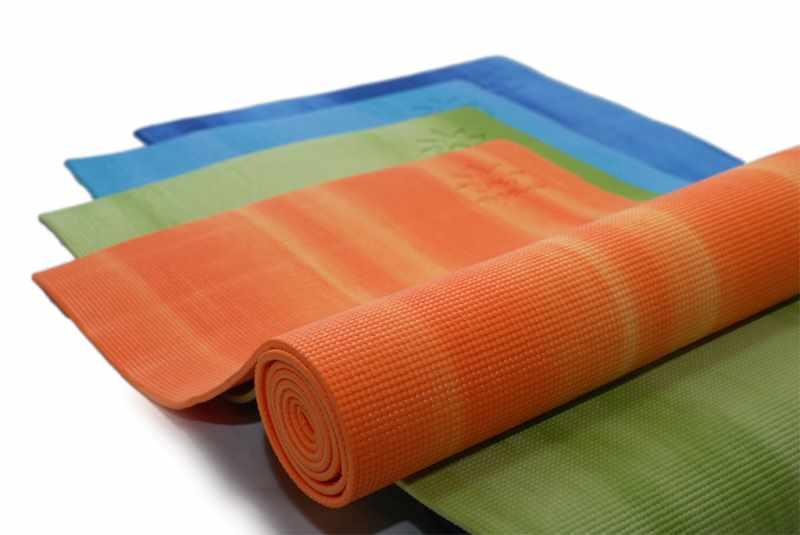 ИСпользуем коврики для йоги