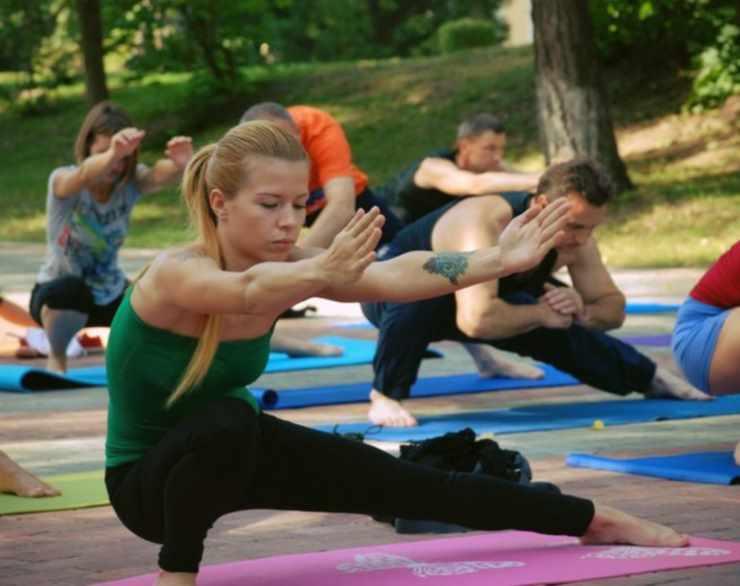 Быстрое выполнение асан в йоге 23