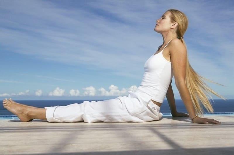 Расслабленная поза очень важна для положительного результата аутотренинга