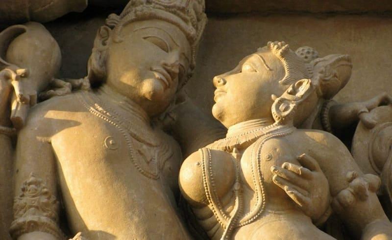 Брахмачарья практикует сексуальное воздержание