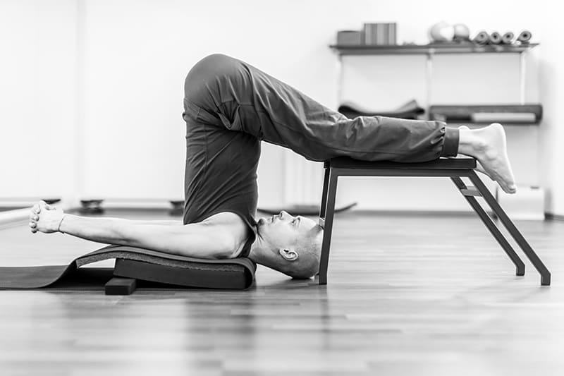Йога критического выравнивания для позвоночника