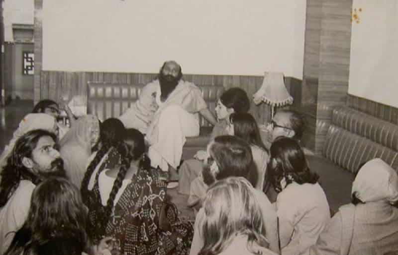 Динамические медитации в Бомбее